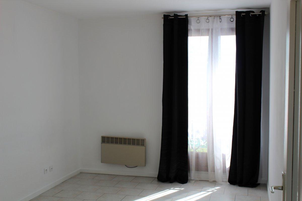 Vente Appartement 2 pièces Issou 78440